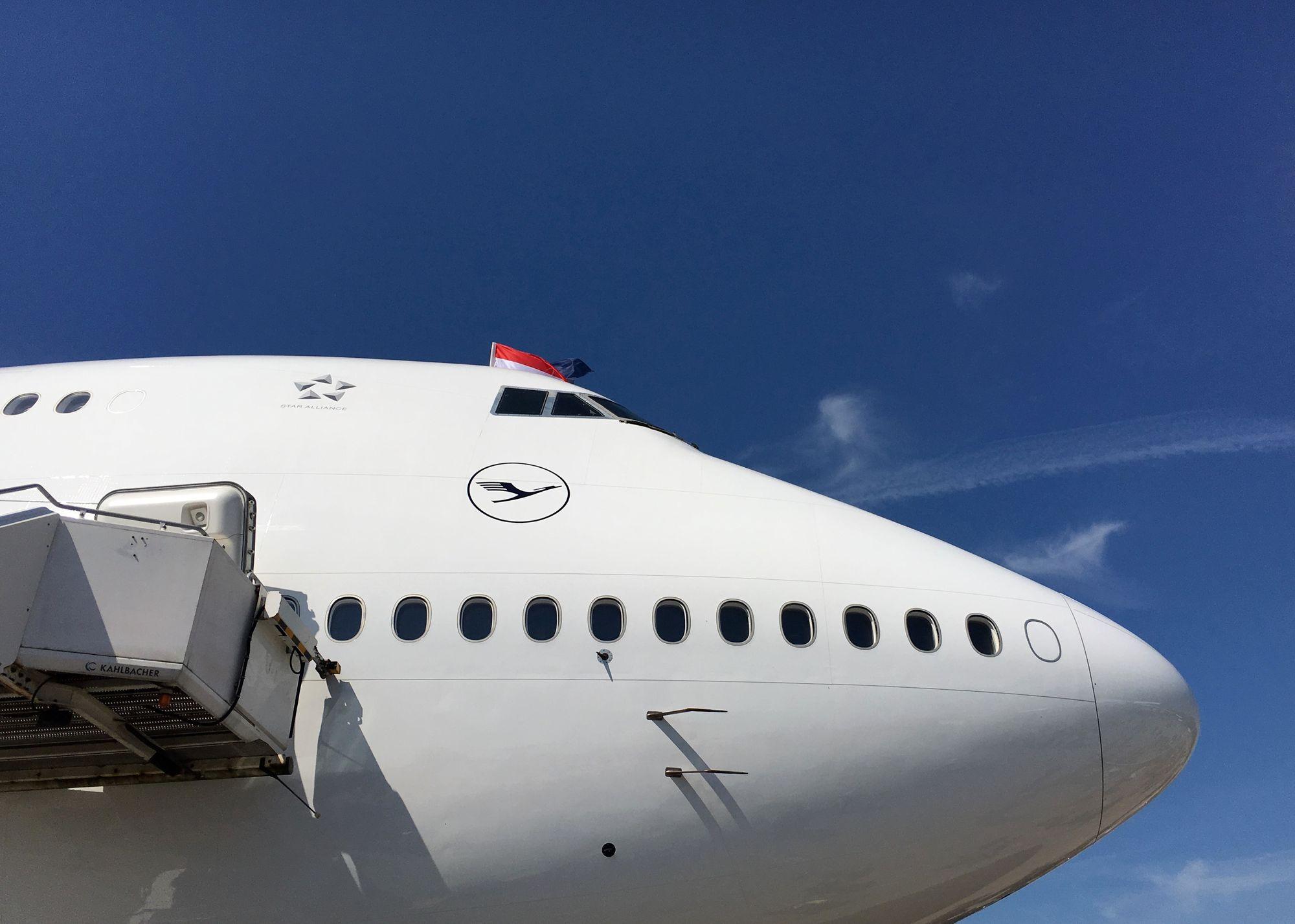 Lufthansa oder Swiss First Class nach Asien ab 1.800€