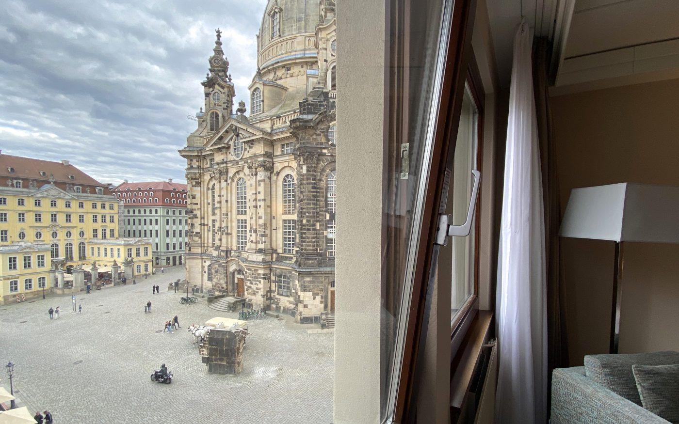 Blick aus dem Zimmer auf die Frauenkirche