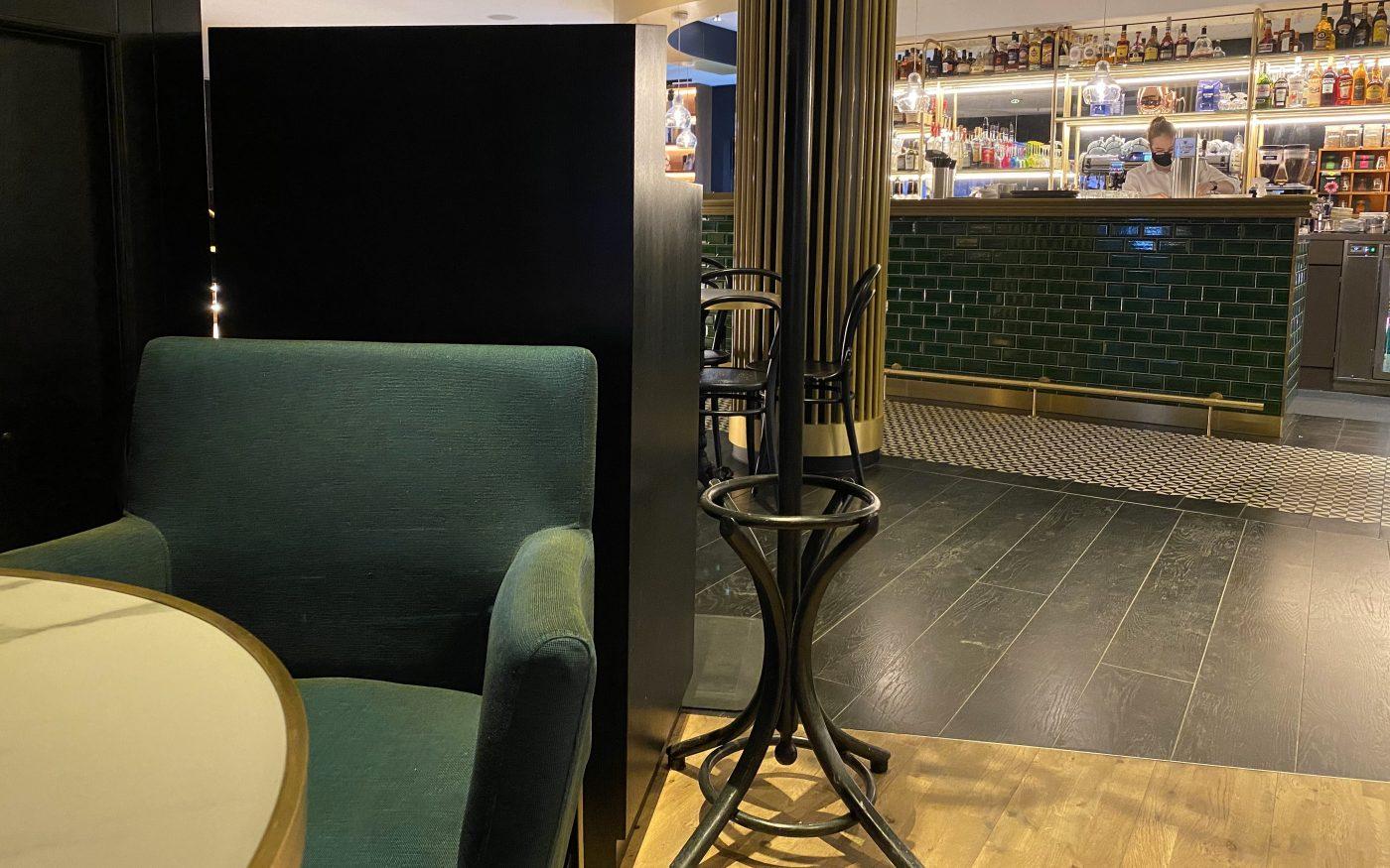 Bar des Hilton Dresden